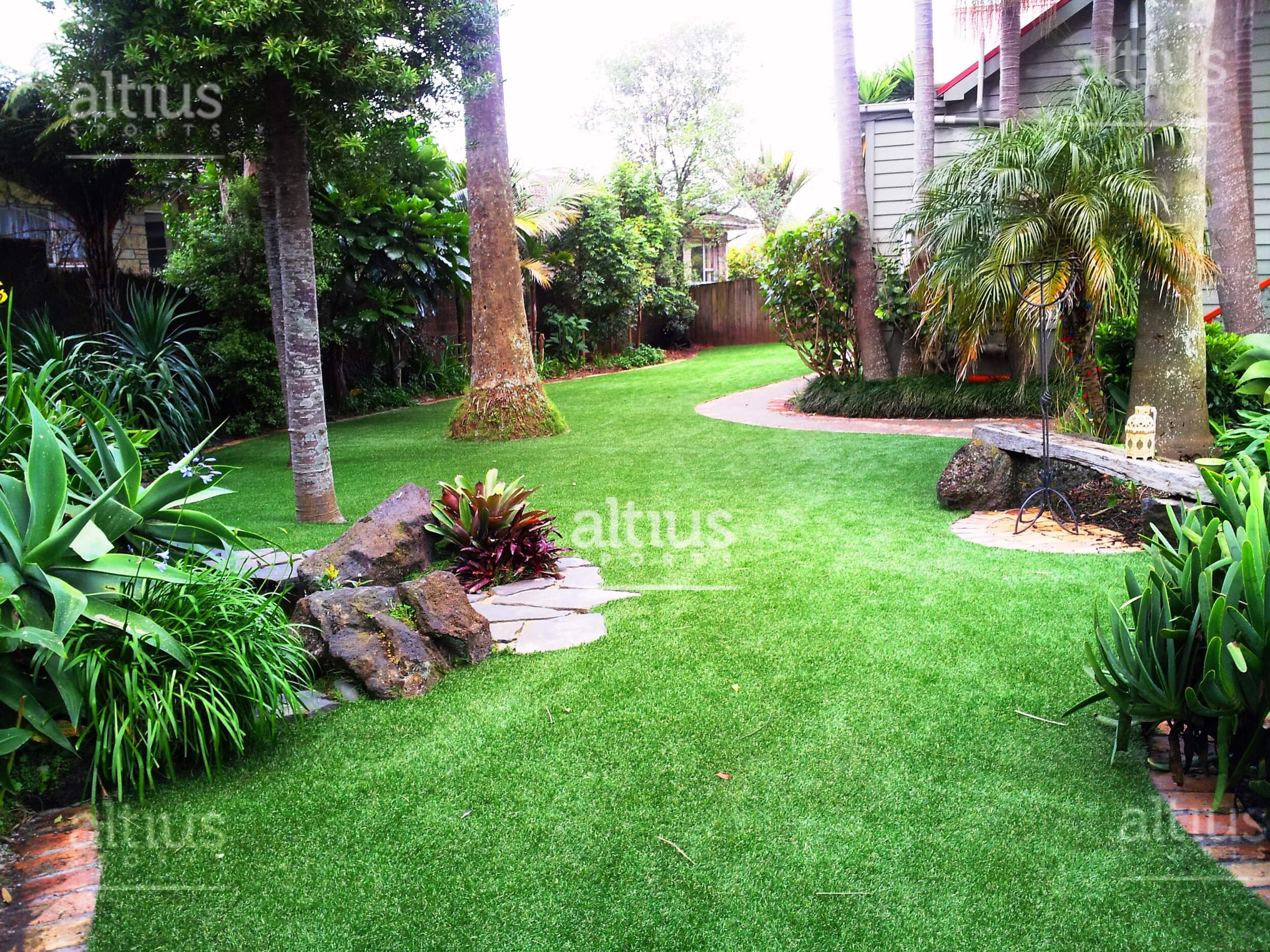 synthetic-lawn-turf