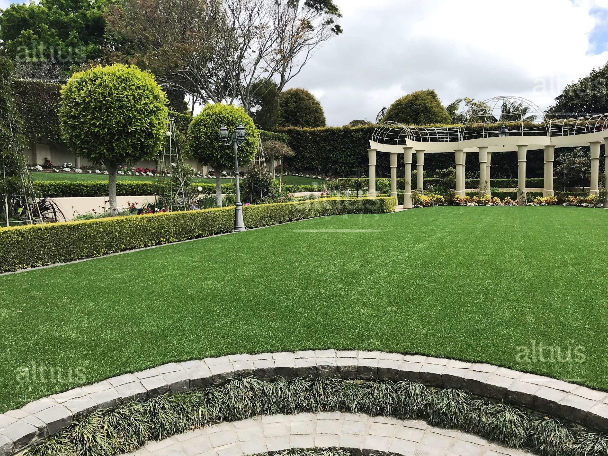 housing-landscape-grass