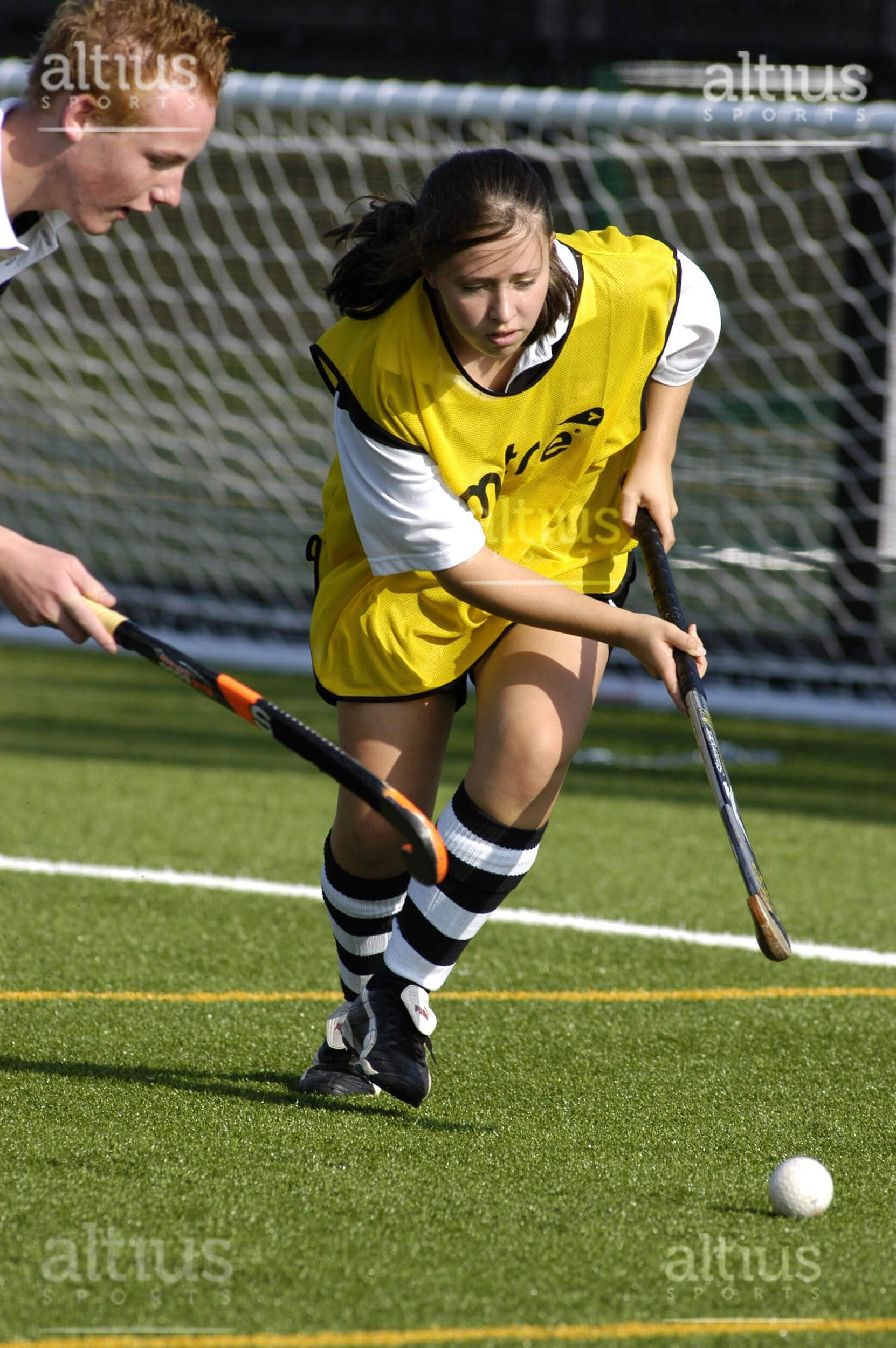 playing-hockey-on-artificial-turf